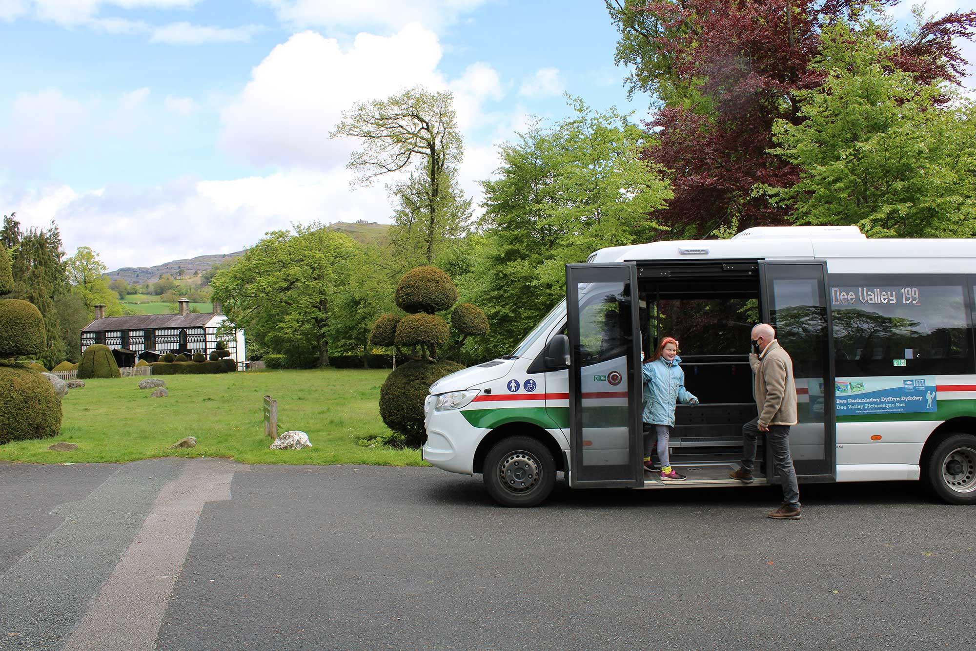 Bws Darluniadwy Dyffryn Dyfrdwy - Dee Valley Picturesque Bus
