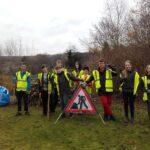 Ceidwaid Ifanc yn tocio coed / Young Rangers pruning trees